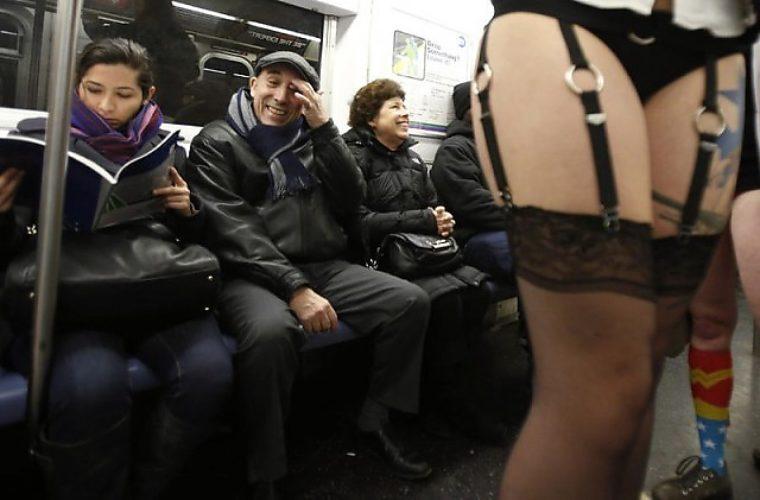 v-obshestvennom-transporte-luchshee-porno