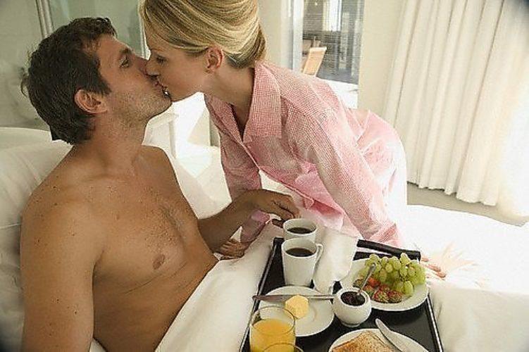 Порно муж и женой утренний секс сосать сиськи93