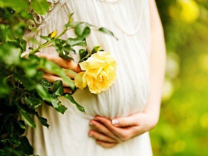 Фото беременность с цветами